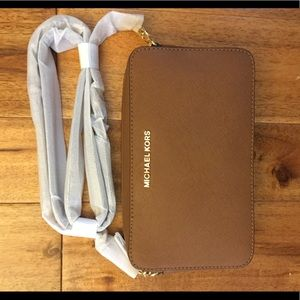 Michael kors crossbody camel colored purse